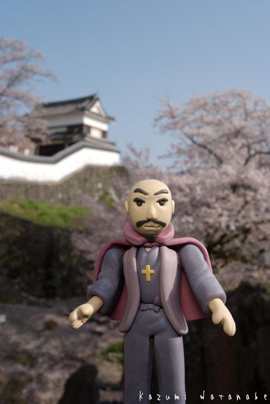 臼杵 丹生島城の桜と大友宗麟2