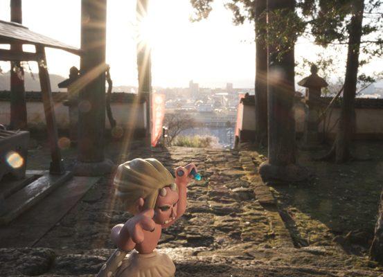 うわっ、太陽だ! 八幡竈門神社の三本指の鬼 鬼の石段